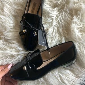 Zara new black tassel vinyl loafers